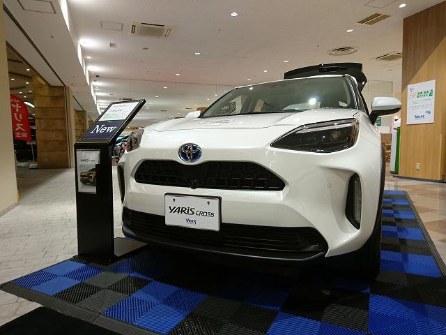 代替:トヨタ ヤリスクロス スズキ ジムニーシエラ 魅力 比較 展示車