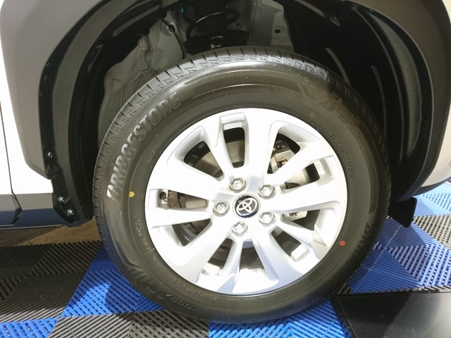 代替:スタッドレスタイヤ 価格 効果 夏用タイヤ