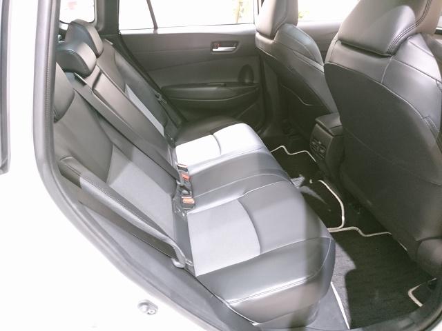 代替:トヨタ 新型SUV カローラクロス インテリア シートアレンジ 車中泊 後部座席
